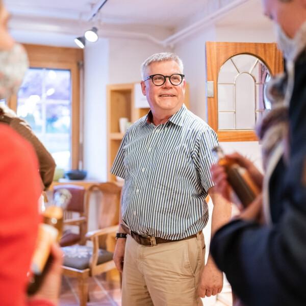 Hoi Keramik Schädler! Besuch bei Philipp und Ulrike Eigenmann in Nendeln. - Das Hoi-Team bei Keramik Schädler in Nendeln.
