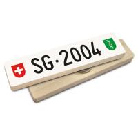 Hoi Schweiz Holzmagnet: SG Autonummer Jahrgang 2004