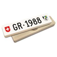 Hoi Schweiz Holzmagnet: GR Autonummer Jahrgang 1988