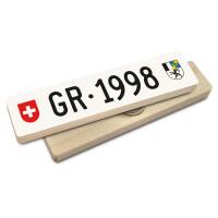 Hoi Schweiz Holzmagnet: GR Autonummer Jahrgang 1998