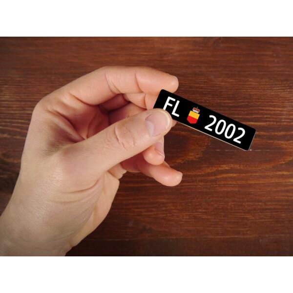 Holzmagnet FL Autonummer: Jahrgang 2002